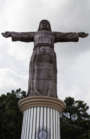 Paseo Taxco Guerrero México Colonial Pueblo Mágico Taxco De Alarcón Cielo Gris Cristo El Mirador Escultura México Lindo Y Querido