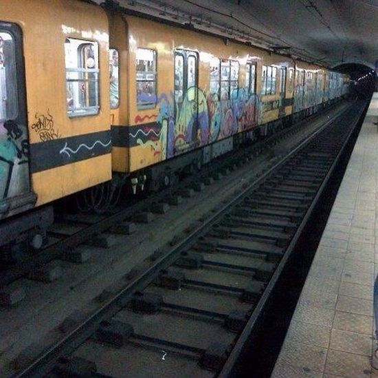Art UrbanART Metro Station Baires Paint The Town Yellow