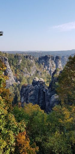 Herbststimmung Tree Rock Formation Eroded No People Outdoor Photography Elbsandsteingebirge Horizon EyeEm Selects Sky Rock Physical Geography Geology