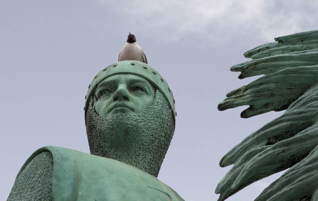 Gull-crested statue Armor Birds Copenhagen Copper  Gull Horse Statue Knight  Statue