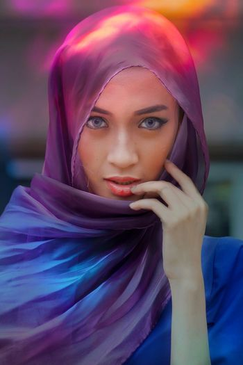 Portrait Headshot Headscarf Hijab One Person Young Women The Portraitist - 2018 EyeEm Awards Young Adult Women Front View Real People Multi Colored Looking Beauty Beautiful Woman Human Face Adult Lifestyles Body Part Contemplation