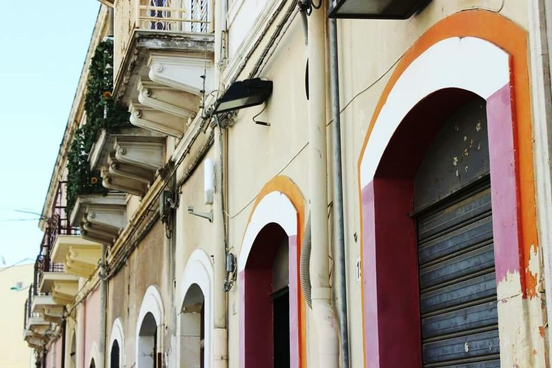 Building Exterior Architecture Arch Façade Outdoors City Life Old Town Exterior Italia Italy🇮🇹 Italy Streetphotography Sicily Sicilia Siracusa