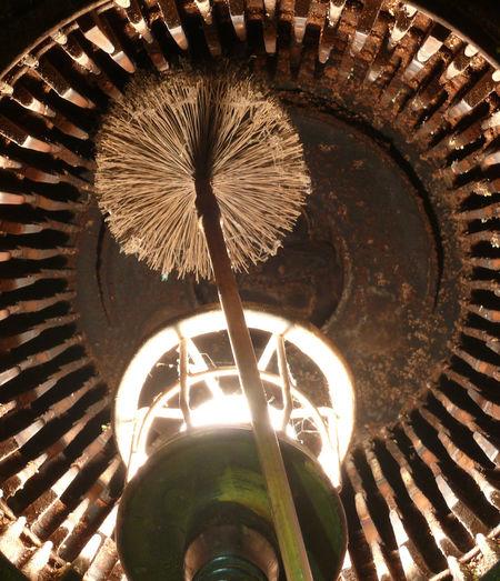 Ablagerung Architecture Brennkammer Brennraum Brush Building Exterior Built Structure Cleaning Close-up Day Illuminated No People Outdoors Schwefel Wärmetauscher ölheizung
