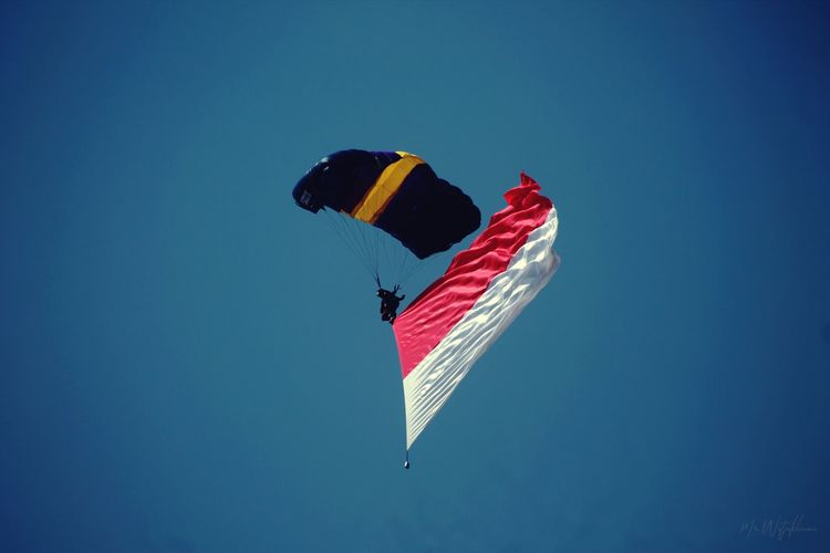 Skydiving at jogja airshow 2019