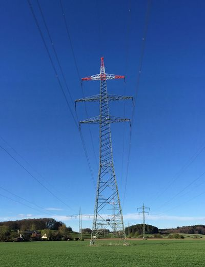 Electricity  Blue Outdoors Cable Sky Strom Strommast Stromkabel Gerüst  Wiese  Gefährlich Stromschlag