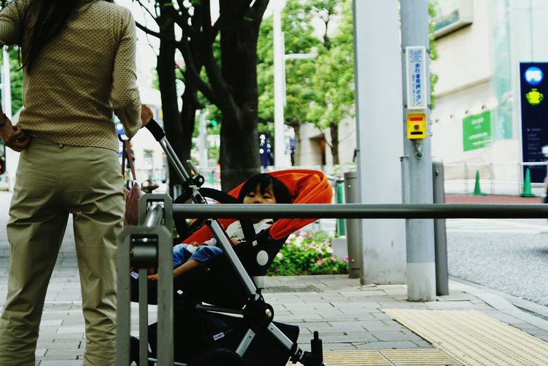 Snapshots Of Life Looking To The Other Side Children Photography The Human Condition Peeking Peeping Glimpse Urban 4 Filter Baby In Stroller Tokyo,Japan