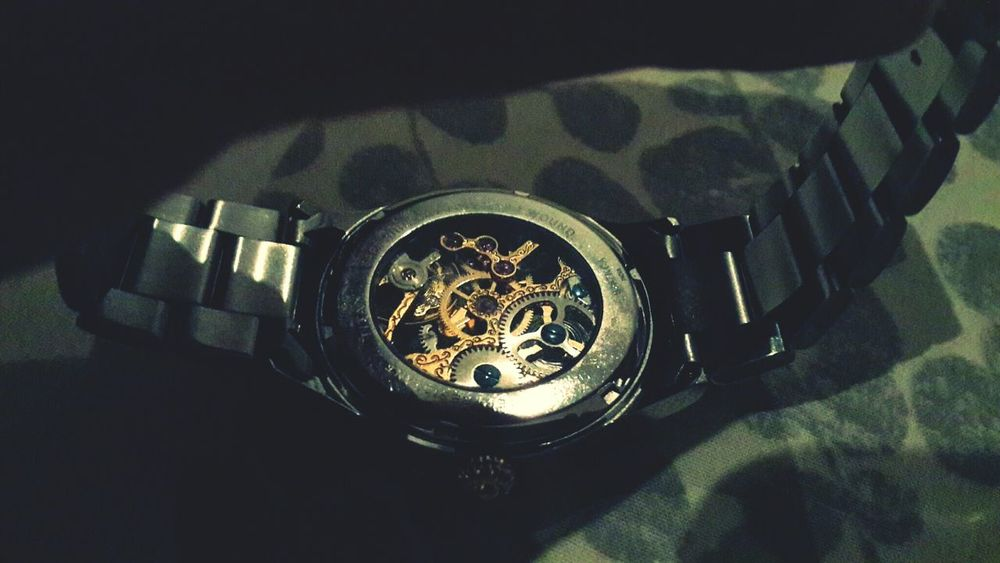 Time ulliys No Love </3 Watches Indoors  Day