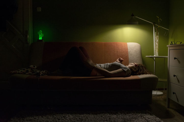 in-betweener series 7/8 Green is my favorite color. Finally some color and some order in my life. Still lying in bed at times. Green Love The Photojournalist - 2018 EyeEm Awards The Portraitist - 2018 EyeEm Awards Adult Electric Lamp Emotion Furniture Illuminated Real People Sofa HUAWEI Photo Award: After Dark A New Perspective On Life International Women's Day 2019