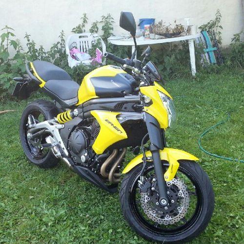 Då har hojen fått sig sin första tvätt någonsin :) Kawasaki Er -6n Motorcykel