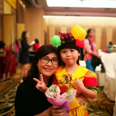 Teacher Student Party - Social Event Celebration Mother Portrait Child Looking At Camera Smiling Enjoyment Girls Life Events Family Christmas Holiday - Event Fun Happiness People Togetherness New Year's Eve Females Eyeglasses  Showcase November P9 Huawei