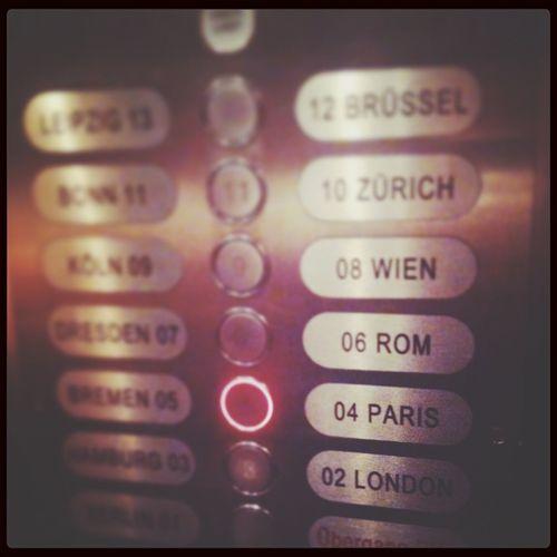 Elevator Paris Je T Aime Einmal Um Die Welt