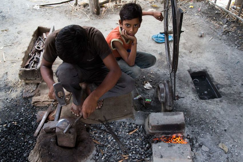 Blacksmiths India Kida Learn & Shoot: Working To A Brief Youth Of Today Up Close Street Photography Telling Stories Differently My Favorite Photo The Street Photographer - 2016 EyeEm Awards The Photojournalist - 2016 EyeEm Awards EyeEm X ICP - Telling Stories Differently