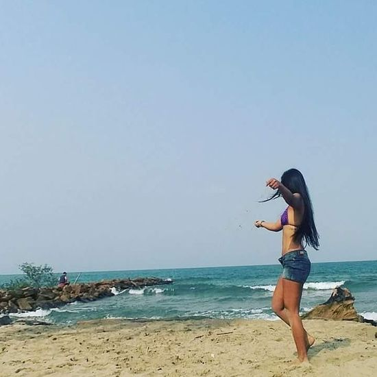 Beach Vacations Day Colombia ♥  Colombiangirl Colombiana Colombia Tolu Sea Sky One Person Horizon Over Water Outdoors People Wave Adult Water Adults Only First Eyeem Photo