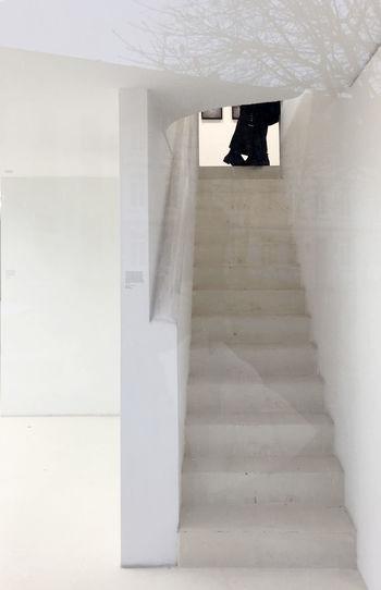 Architecture Day Füsse Galery Von Außen Indoors  Modern People Schwarze Schuhe Staircase Steps Steps And Staircases Streetphotography Treppen Stairs Escaleras Weiße Wände White Walls Zwei Personen Lovers