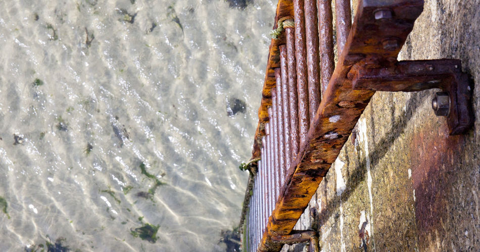 Downwards Harbour Ladder Ripples Rust St Ives Travel Rungs Sand St Ives Harbour Water