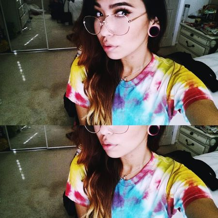 • hi, my name is ossy • Newtothis Girlswithplugs