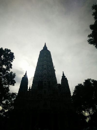 temple History Travel Destinations Architecture Silhouette Ancient Civilization Ancient Built Structure Pyramid The Past Tourism Travel Old Ruin Building Exterior Religion Sunset No People Day Statue Tree Outdoors Travel Photography Stone Nature Attraction