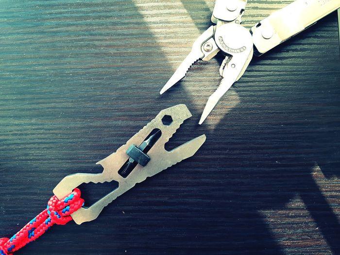 Close-up Outdoors Multitool Multitools Leatherman Workshop Tool Tools Piranha Repair Craftsmanship  DIY