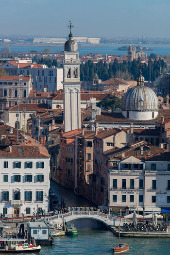 ponte dei sospiri, Venice, high angle view Venice, Italy Day High Angle View No People Outdoors Ponte Dei Sospiri Travel Destinations Vertical