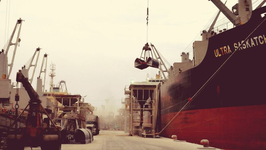 Ship Port Import And Export International Bussines City Crane - Construction Machinery Sky Semi-truck Shipyard
