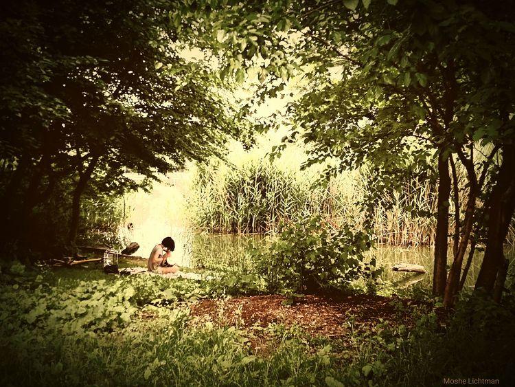 Prospect Park Newyork Loner Stoner Bongo Lake Playing Music