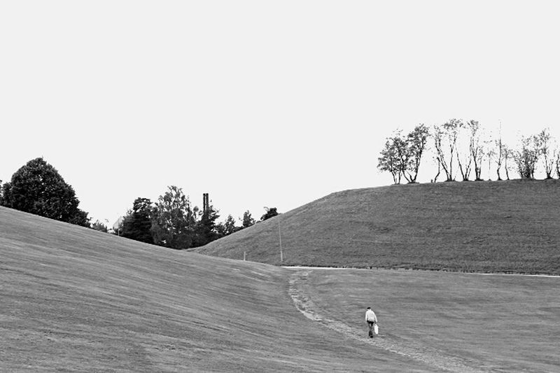 Walking Passeggiando Blackandwhite Black And White Black & White Black And White Photography Blackandwhite Photography Biancoenero Bianco&nero Bianconero Having A Walk Monochrome
