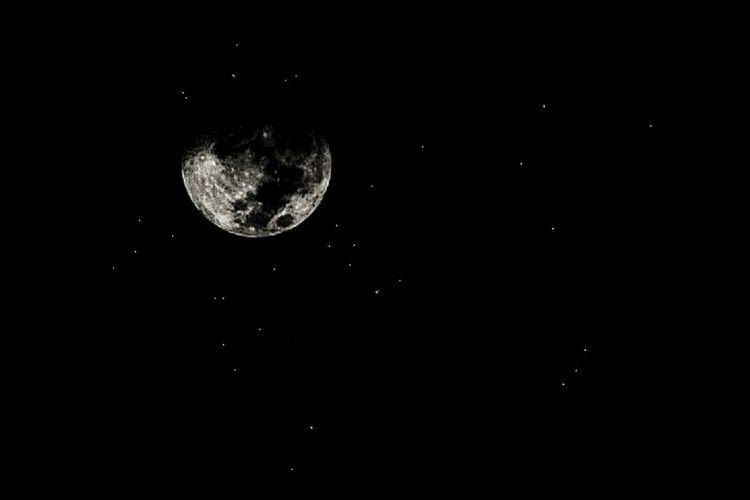 Night Moon Astronomy Planetary Moon No People Nature Scenics Space Exploration