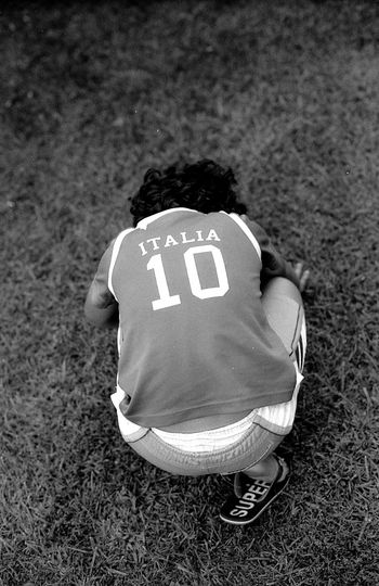 Italia. Soccer Soccer Field Soccer Game Soccer Player Italy🇮🇹 Green Grass Portraits Black & White Photography 35mm Film Photography Filmsnotdead Analogue Photograhy EyeEmNewHere The Week On EyeEm PortraitPhotography Filmisalive BW_photography EyeEm Gallery Childhood Outdoors Sunnyday☀️ Curly Hair Don't Care Noir Et Blanc Day Real People Black And White Friday