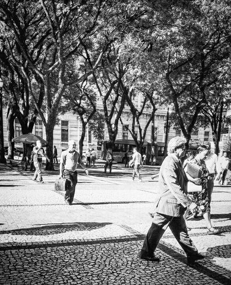Blackandwhite Black And White Black & White Monochrome Urban Urbanphotography Urbanexploration People Open Edit Fresh Scent Black And White Friday Business Stories