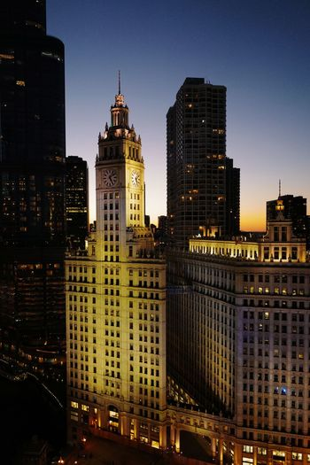 Historic chicago skyline at sundown