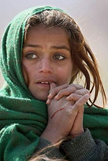 More than a face... Portrait Color Portrait Intense Eyes Afghan Girl Faces Tired Souls People Photography Around The World