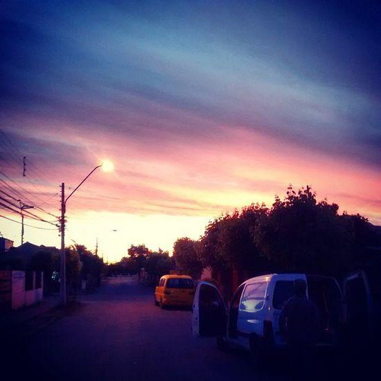 Volviendo del channel jijiji Instachile Instaphoto Santiagodechile Conchali sunset sky clouds