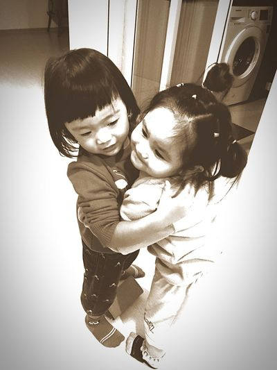 แจ&กัน Jaa Napichaya Two People Fun Laughing Playing Childhood Indoors