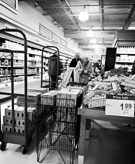 Shopping Grocery Shopping Grocerystore Saturdaymorning Blackandwhitephotography Black And White Black&white Blackandwhite