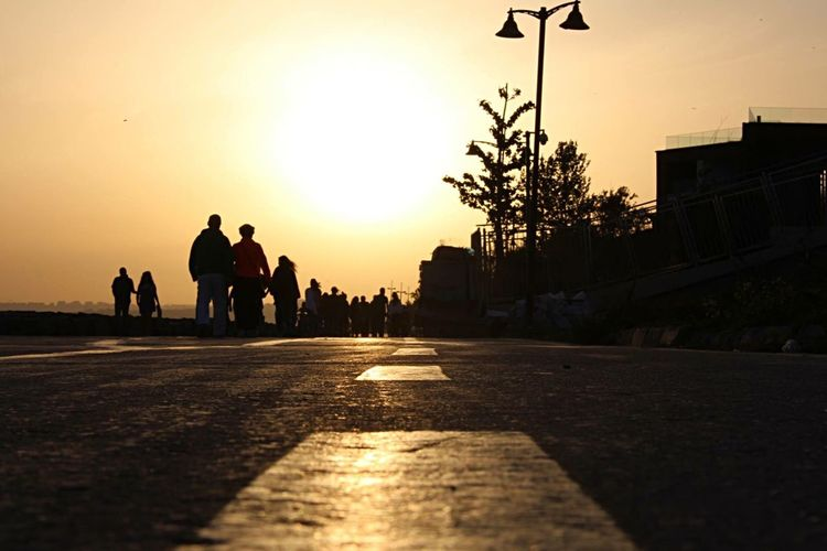 My Commute Creative Light And Shadow Istanbul Turkey Streetphotography The Essence Of Summer The Following OpenEdit Sunset Silhouettes Peoplephotography Travel