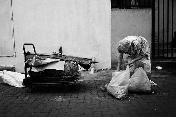 RECYCLE Agoesalwie Alifgawausin Photohunt Streetart Streetphotographers Streetphotography Streetbwcolor World_bnw Ig_street Everybodystreet Everydayasia Nikon The Photojournalist - 2016 EyeEm Awards The Street Photographer - 2016 EyeEm Awards Nikonmalaysia Blackandwhite Malaysianphotographer Streetphotocargo Bestphoto EyeEm Best Shots EyeEm Best Shots - Black + White Magnumphotos Lensculture Street Photography Black And White