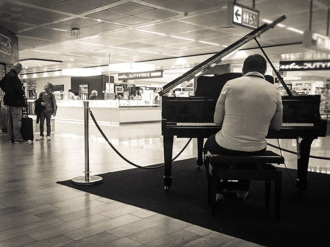 Streetphotography Streetphoto_bw Blackandwhite Black And White Black & White Blackandwhite Photography Airport Waiting IPhoneography Airport Situation Piano Time Fiumicinoairport Airportphotography Rome Italy Rome Sounds Pianoforte