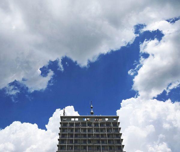 City Blue Sky Architecture Cloud - Sky Building Exterior Storm Cloud Lightning Storm Office Building Cumulonimbus Torrential Rain Dramatic Sky Hurricane - Storm Atmospheric Mood