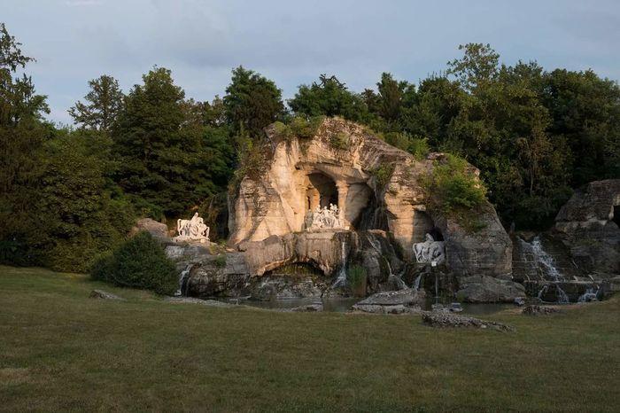 Tree Ancient Civilization Sculpture Statue History Ancient Architecture Grass Sky