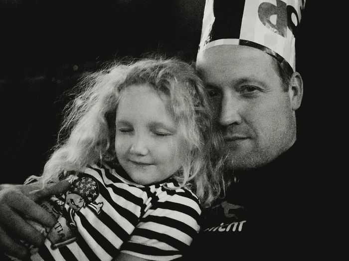 Kings of Popcorn - MAinLoveWithLife and Little Girl Fooling Around Having Fun United Kingdom Monochrome Black And White Black & White Portrait RePicture Love - 01.08.2015