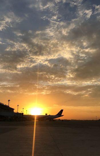 Sky Sunset Cloud - Sky Sunlight Orange Color Sun Nature Airport Airplane