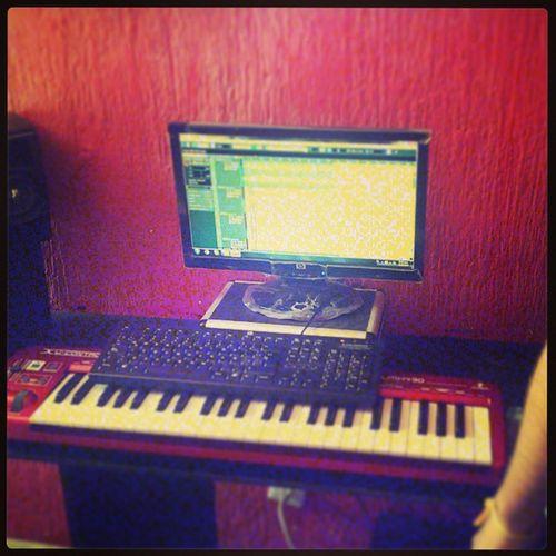 Nuevo tema con @cooperhr Cubase Recording Nuevo  HitRecordsStudio HomeStudio Grabando VRecords