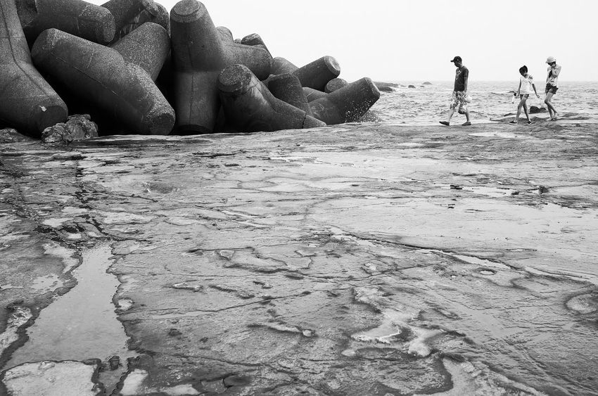 Seascape Photography Beach Beauty In Nature Blavk And White Lifestyles Men Outdoors Real People Ricoh Gr Sand Sea Water Women
