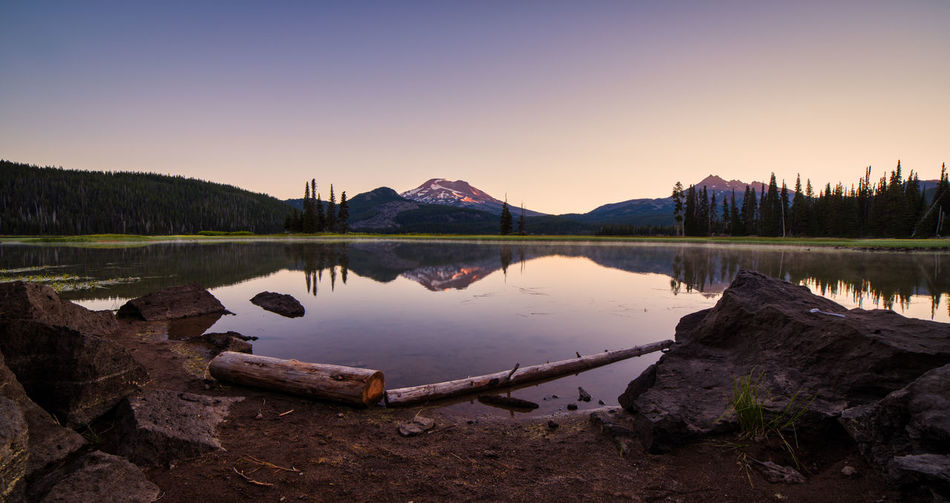 Sparks Lake in Central Oregon near Bend, is a popular destination for outdoor enthusiasts Beauty In Nature Lake Nature Non-urban Scene Reflection Scenics - Nature Sky Sparks Lake Tranquil Scene Tranquility Water