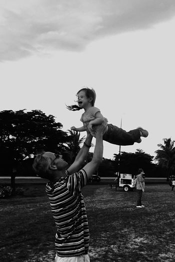 RePicture Masculinity Festival Up In The Air Having Fun Babygirl Whee Daddy Florida Fort Myers Taking Photos Enjoying Life