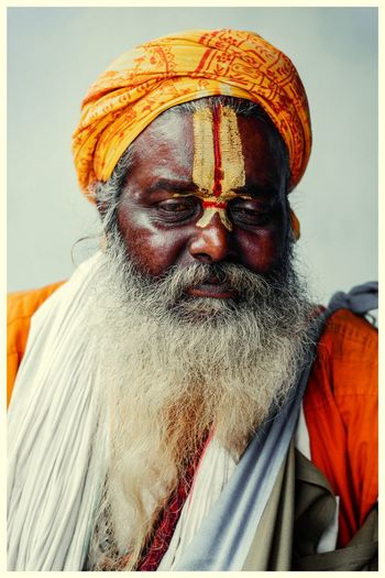 The essence of Hinduism is the same essence of all true religions: Bhakti or pure love for God and genuine compassion for all beings...@dpphotography #dpphotography #dehradun #droncity #hermit #Uttrakhand #Faith #Religion #Gratitude #indiantraveller #50mm #streetphotography #spiritofindia #Unity #diversity Turban