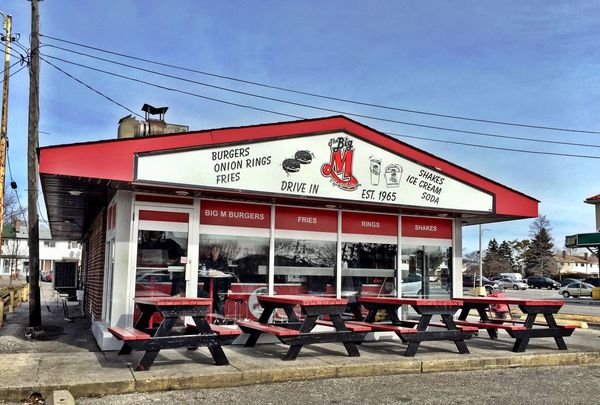 First time I ate here was the Summer of '74. Still run by the same family. Still awesome burgers 😊 Pickering Burgers Family Business Memories