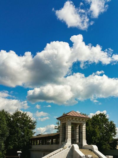 Cloud - Sky Built Structure History Gate Architecture Travel Destinations Building Exterior Blue Москва Яуза City Summer Cityscape Aqueduct Moscow Russia Architecture Sky No People Outdoors Bridge - Man Made Structure City Life Traditional Cumulus Cloud Arch