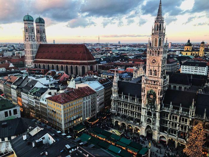 Marienplatz Built Structure Architecture Building Exterior City Building Sky Cityscape Tower