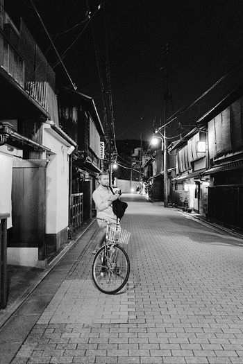 East meets West : 100 Days Of Summer Bicycle People Photographer Life Nightphotography Lowlightphotography Street Photography Snapshots Of Life On The Street Corner Building Exterior Street Gion In Kyoto , Rambling with a Leica Q 28mm F/1.7 Travel Destinations Streetphoto_bw Black & White 6, july 2017 京都市  祇園 Kyoto, Japan Personal Perspective No Finder Wonderful Sunday, EyeEm mate 👍🏻😎